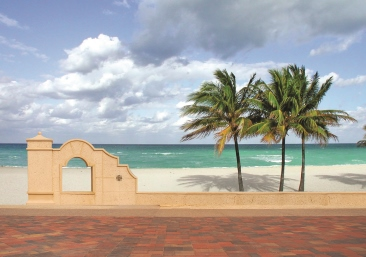 Hollywood Beach named top beach